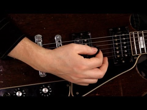 How to Hold a Pick | Guitar Pedals