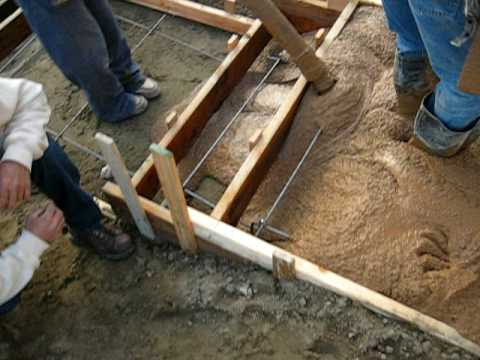Egald Construction & Concrete #4 - Pouring stairs and landing