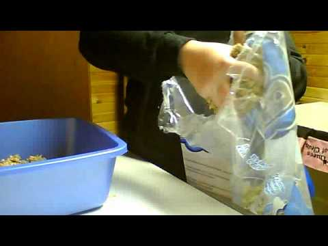 Rabbit Care: Cleaning a Rabbits Litter Box
