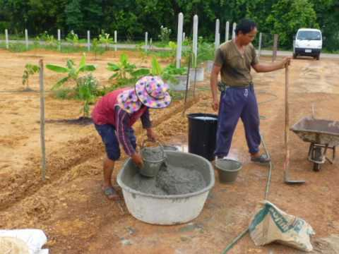 Building Garden walls in UdonThani and foundations Double blocks
