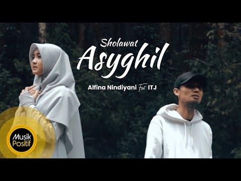 Alfina Nindiyani Sholawat Asyghil ( ITJ)
