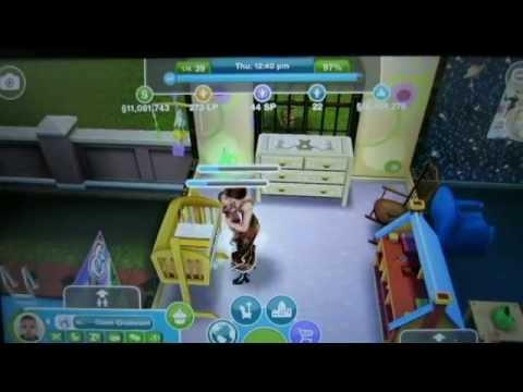 Sims FreePlay - Teenaged Sim Babysitting a Baby Sim [Baby Video]