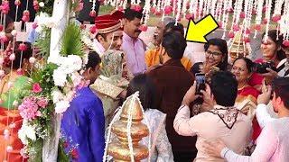 Ranveer Singh GATE Crashes A Fan