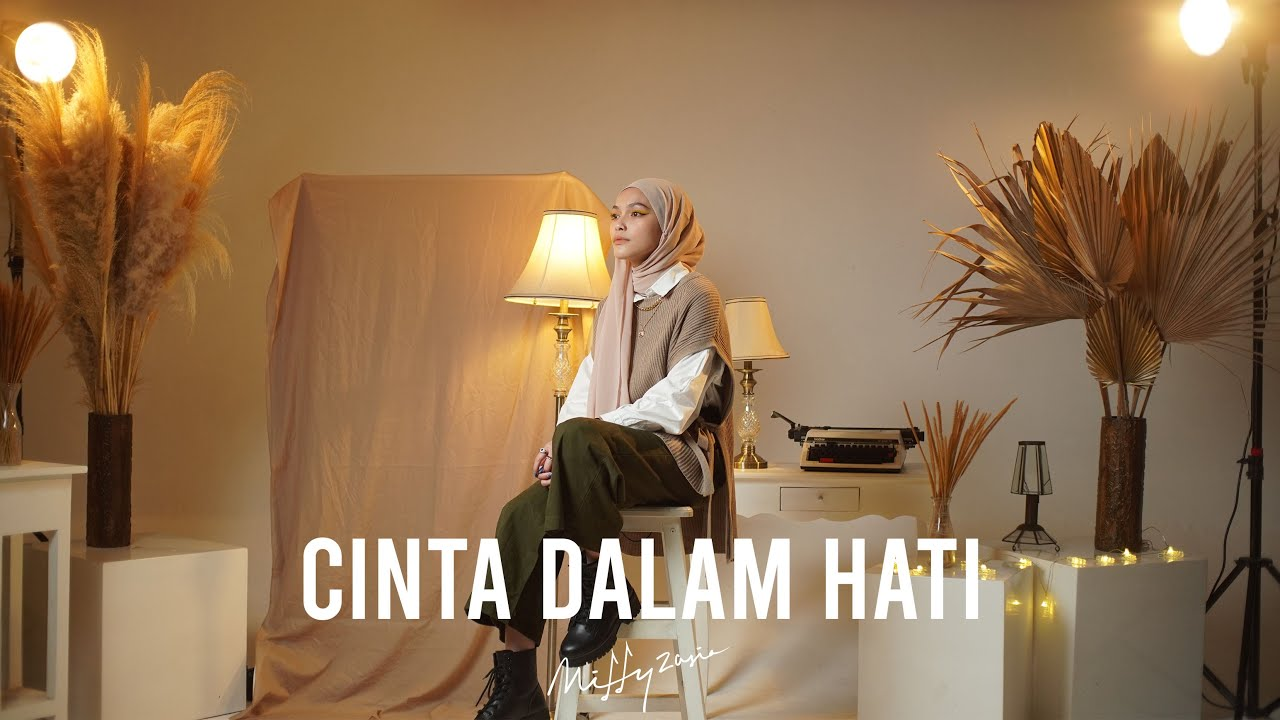 Download Cinta Dalam Hati - Ungu (Cover by Mitty Zasia) MP3 Gratis
