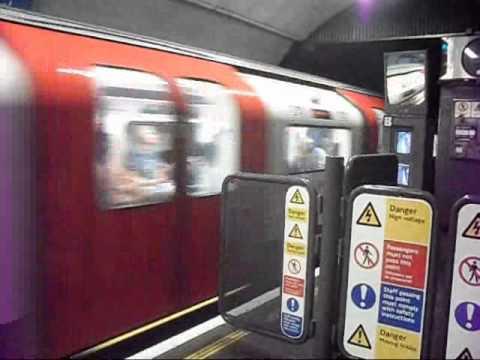 London Underground 2009 Stock departing Euston tube station (30/04/2011)
