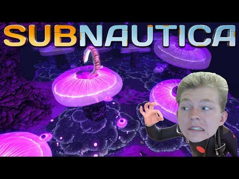 WHAT ARE THOSE SNAKE THINGS?! | Subnautica #3 (Live!)