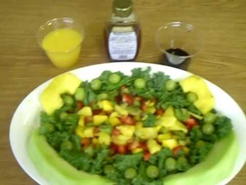 Living RAW Blog  part 2  Teenage MOMs create healthy raw food
