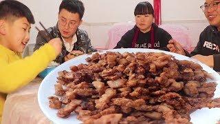 """5斤五花肉,教你陕北特色""""小酥肉"""",肥而不腻,一人一碗不过瘾!【陕北霞姐】"""