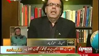 Hassan Nisar drunk and totally out in a live show