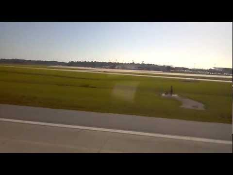 CRJ900 Landing at Charleston International.