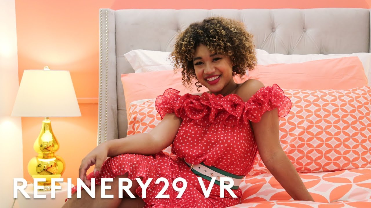 Influencer Color Me Courtney's Apartment Tour In VR 360 | Refinery29