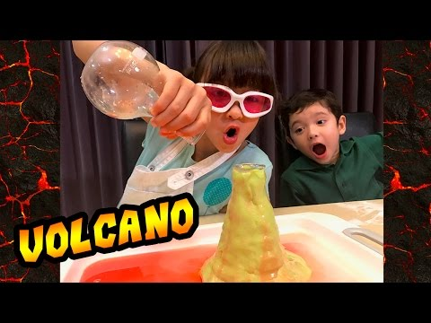 Make a homemade baking soda volcano with Play Doh: Episode 1