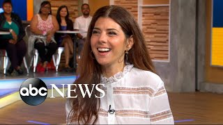 Marisa Tomei dishes on