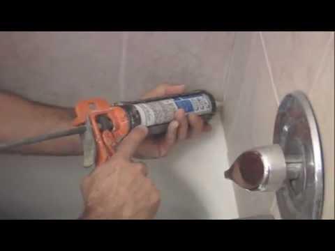 How to re-caulk a shower