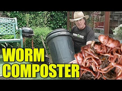 Worm composter from a plastic bin