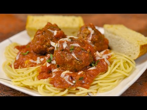 Spaghetti and Meatballs with Garlic Bread Recipe