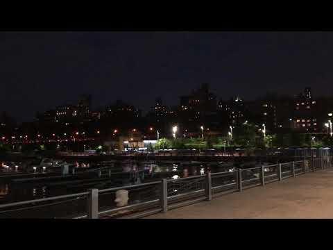 Brooklyn Heights & Manhattan skyline, New York (6-6-18)