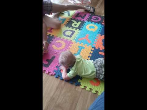 Learning to crawl with low muscle tone