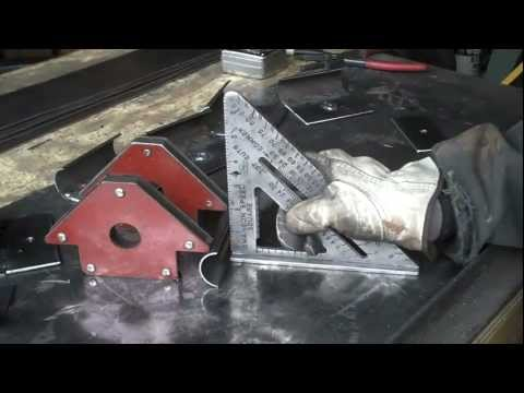 How-to Cut  Metal Pipe  On the Vert by Mitchell Dillman