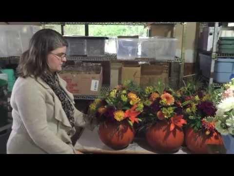 How To Make a Pumpkin Centerpiece for Thanksgiving