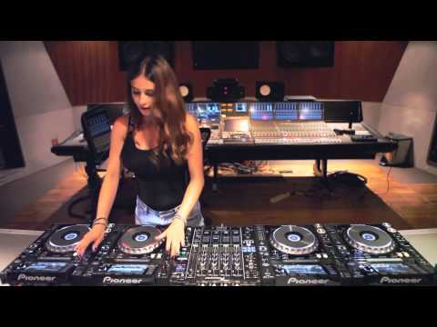 Xxx Mp4 ডিজে সরস এম সমস্ত বাড়িতে Mix Songs 3gp Sex