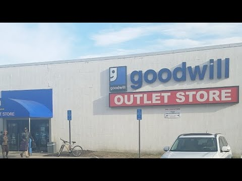 Inside The Goodwill Outlet (Bins) Live Thrifting For Ebay