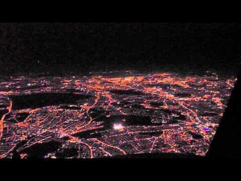 COCKPIT VIEW - 737 Night Landing in London