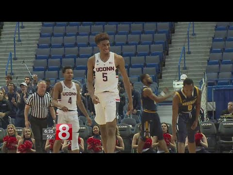 Isaiah Whaley trying to worm way into UConn line-up