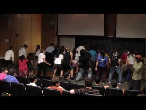 [E-Week 2012] Scavenger Hunt #17 - Wobble Flash Mob