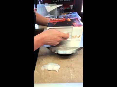 How to attach edible image onto a cake