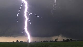 Intense Lightning Barrage From Illinois Supercells - July 11, 2015