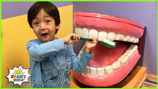 Ryan plays and learns at the Museum for Kids 1 hr kids video!