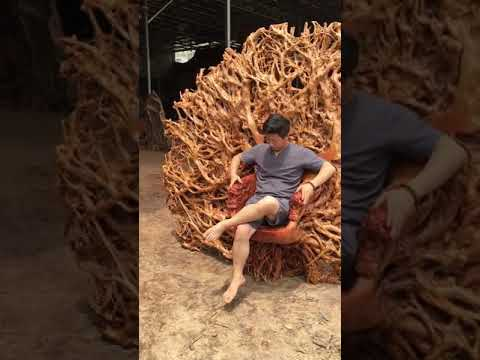 wooden throne like iron throne from GOT
