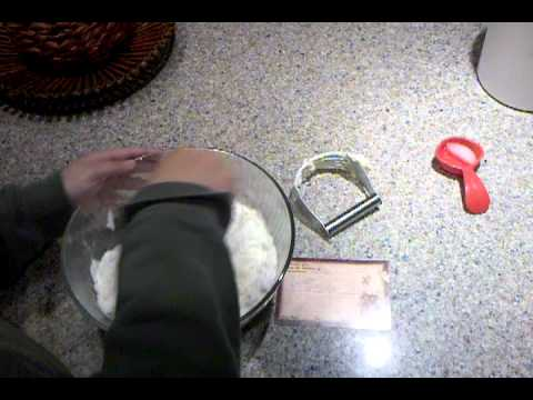 Pie Crust Part 1 - using the pastry cutter