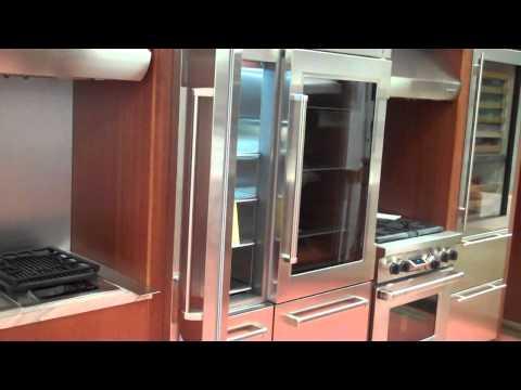 Curtos.com - Sub-Zero Refrigerators Gotta Love Those HINGES!.mp4