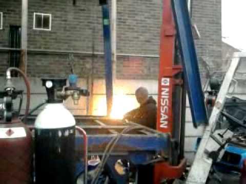 dangerous oxy acetylene cutting