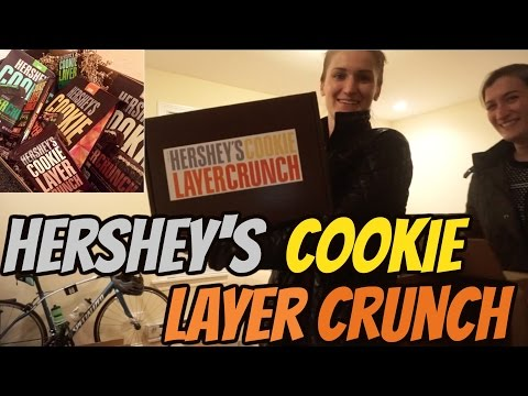 Hershey's Cookie Layer Crunch Bars Review ft.  Scgerali