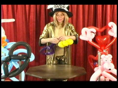 Advanced Balloon Twisting : Balloon Twisting a Flower Hat