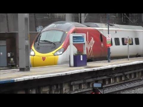 Series 4 Video 5 Trains at Birmingham New Street (14/2/18)