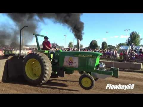 6,000lb Hot Stock Tractors in Platteville, WI 9-10-2016