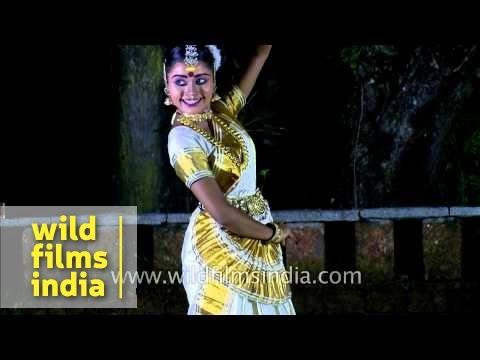 Mohiniyattam - A distinctive dance form of Kerala