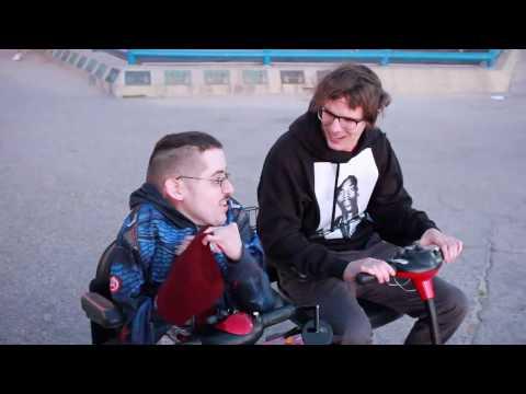 SCOOTER RACE WITH IDUBBBZ 🛵 - Ricky Berwick