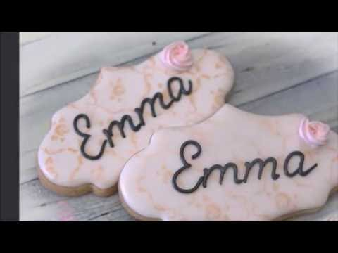 Writing on a Cookie Using a Projector by Emma's Sweets