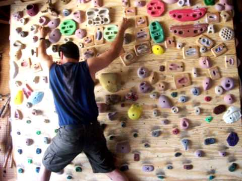 Garage climbing wall --Play time on a day off