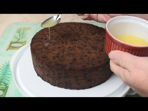 How to Make A Christmas Cake (Part 2 - Feeding the Cake)