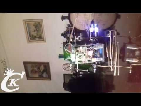 أول روبوت تونسي يمشي ويتكلم العربية ( السلام عليكم )  2legs walking ( talking ) robot homemade