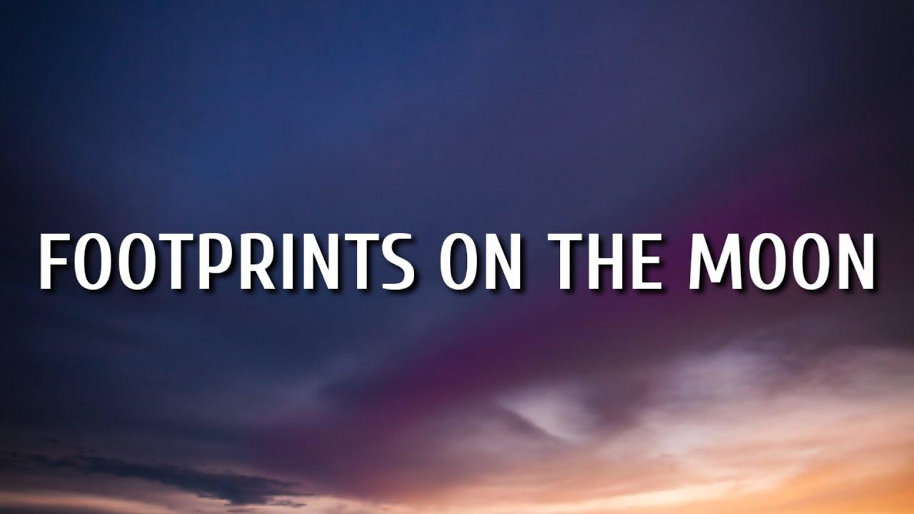 Gabby Barrett - Footprints On The Moon (Lyric Video)