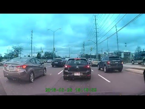 Mississauga Crazy Driver / Someone cancel his insurance and take his D/Licence