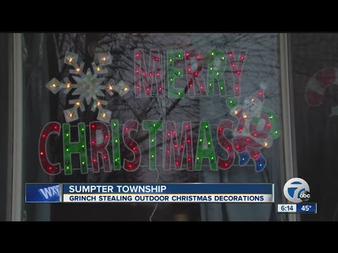Grinch steals Christmas decorations