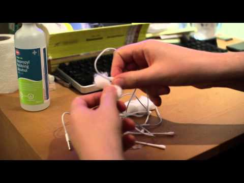 How to Clean your Earbuds - Cleaning and disinfecting the Headphones for iPhone iPod iPad or Android